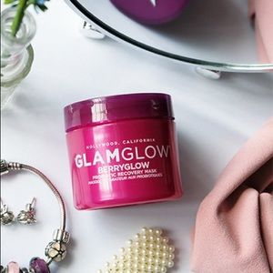 🌸 GLAMGLOW BERRYGLOW Probiotic Recovery Face Mask
